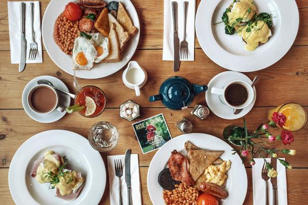 breakfastgroup1 Edited - Reservation